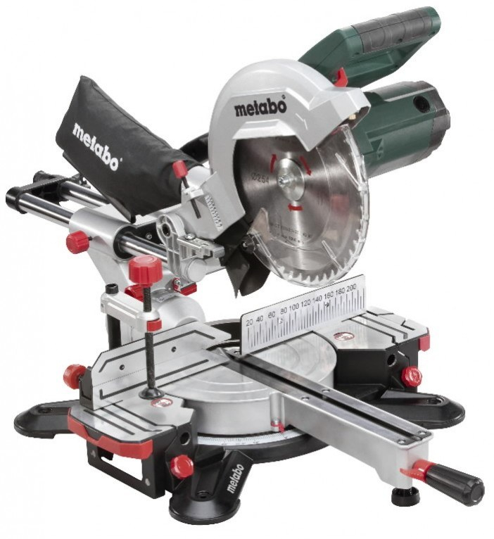 Cross cut mitre saws